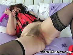 UK milf Janey pleases the brush hungry and flimsy pussy