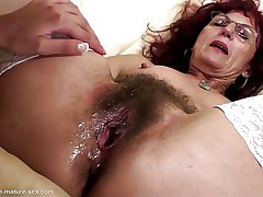 Deep fisting for sexy of age mom's hairy pussy