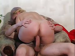 RUSSIAN BLONDE MATURE FUCKED BY A LARGE Hawkshaw