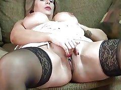 mature floozy Sandie Marquez masturbate