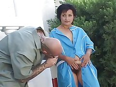 Piping hot full-grown opening her hairy pussy for fucking