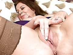 Sweet Mature in all directions Stockings Masturbates