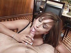 Matured lady does great blowjob POV