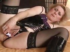 Wanting cock grown-up dame masturbates
