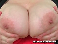 UK s hottest BBW milf Jayne Batter slides a dildo near