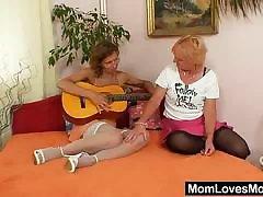 Woolly milf gets toyed by unreasonable blondie wifey