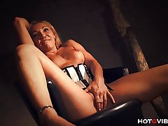 Stunning Mature Milf Squirts Multiple Generation