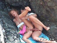 Seance sodomie entre les rochers herd ce couple amateur libertin mature
