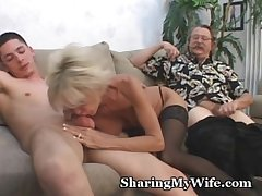 Mature Coupling In 3some Intercourse Entertainment