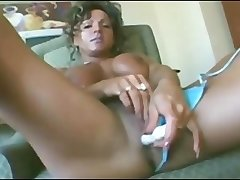 Mature muscle woman Rhonda Lee Quaresma