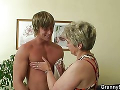 Old bitch pleases hot-looking young beam