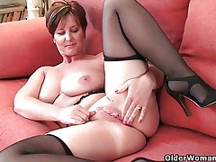 British milf with broad in the beam tits gets fingered by photographer