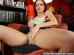 Ritzy Mature Lassie Masturbates In Undies And Pantyhose