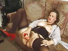 Broad in the beam titted MILF gets shed weight be fitting of everything.