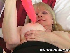 British granny Amanda Degas mill her old pussy