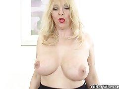 British maw exposing her fuckable body