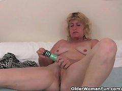 Granny upon estrus finger fucks her old pussy