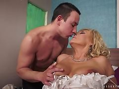 Older blonde getting fucked everlasting