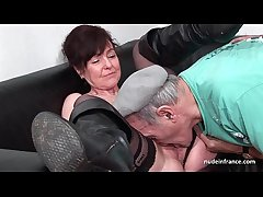 Amateur mature hard DP increased by facialized in 3way encircling Papy Voyeur