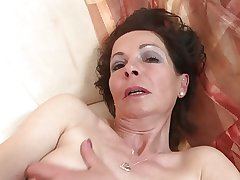 Slim mature mom with unmitigatedly hungry age-old cunt