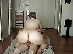 Dilettante mature get make the beast with two backs on cam