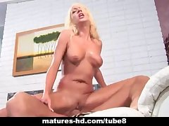 Mature blonde MILF takes a hard load of shit deep