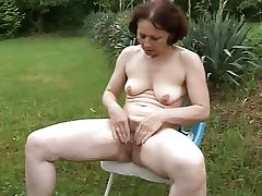 grown-up Milf Squirting