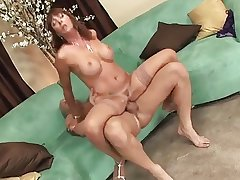 mature woman in oestrus rides cock