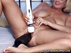 Lose milf cunt with famous black dildo with their way pussy