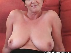 British granny Glee spreads say no to fuckable pussy