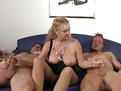 XXX Omas - German mature gets fucked hard just about triune