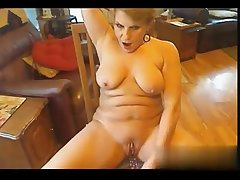 I downtrodden her on W1LD4U.COM - Cougar on webcam masturbating