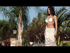 Chap-fallen Capri Cavanni loses her bikini with dramatize expunge poolboy - PureMature