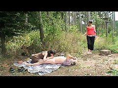 Outdoor Mature Coupler With Horny Teen