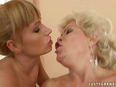 Bi-granny triune up a young couple