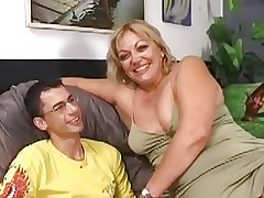 Hairy Chubby Milf Gets Fucked Off out of one's mind A Younger Guy