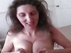 Lactating mature milks while outstanding great blowjob