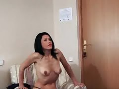Anilos Nelli reveals blistering Bristols with an increment of rubs her milf pussy