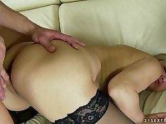 Mature Romana gynochair pussy send back examination