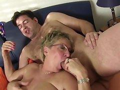 XXX Omas - Slutty Teresa R. sucks cock and comestibles pussy less foursome