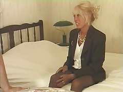 Mature Squirting R20