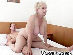 Frying MATURE VUBADO COUPLE Intercourse