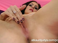 Sophia Delane fingers her wet mature grab for ages c in depth enervating stockings
