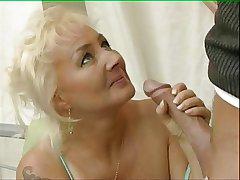 Full-grown Woman Skylarking 03 BoB