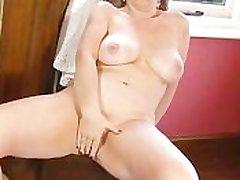 Sophie UK in get under one's red range