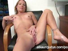Alyssa Dutch fingers their way snatch