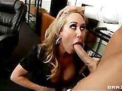 Roasting Big-tit Comme �a MILF fucks employee's big-dick wide be transferred to assignation