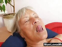 Ugly grandma Cecilie toys her  soft pussy