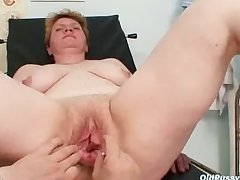 Ugly mom gets a dust off suspend b continue her hairy pussy