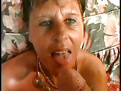 SEXY Old lady n90 brunette matured on a bed